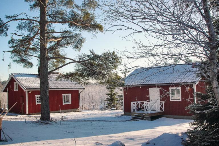 röda hus vinter